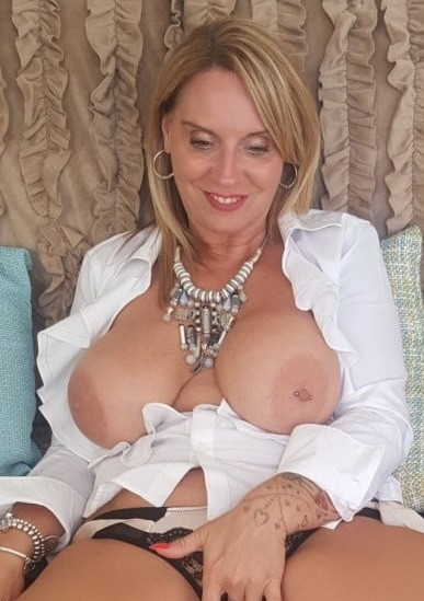 MILF looking for sexy lads